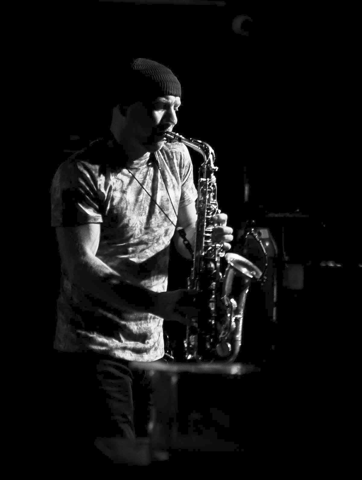 Saxophone player for hire Dublin, Djandsax.ie